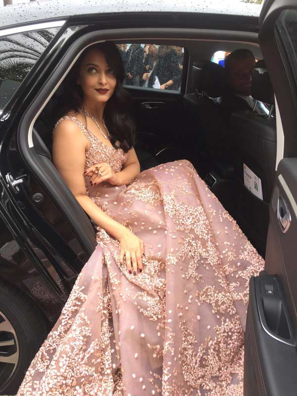 India TV - Aishwarya Rai at Cannes