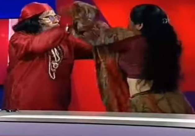 India Tv - Swami Ji got violent with a woman astrologer on live show, Big Boss 10- India TV