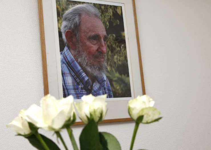 India Tv - Fidel Castro died at the age of 90 on Friday