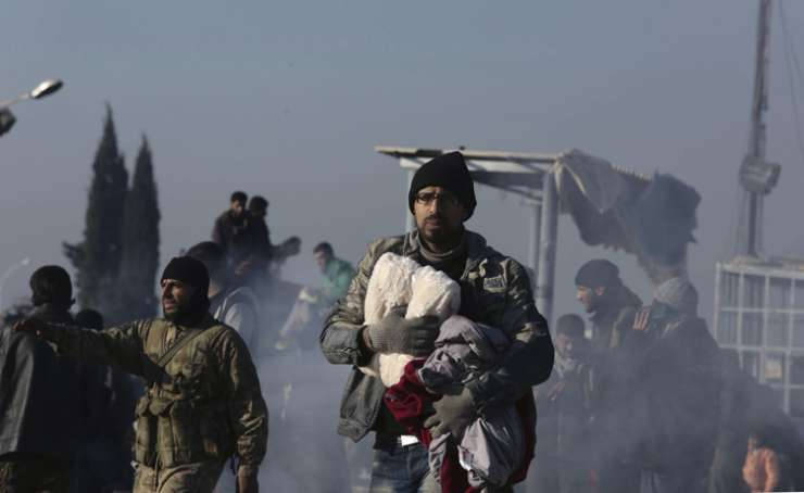 Syrians evacuated from Aleppo during a ceasefire