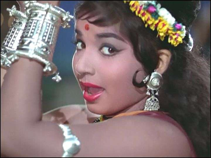 Jayalalithaa played the role of a tribal girl Jhumki in it