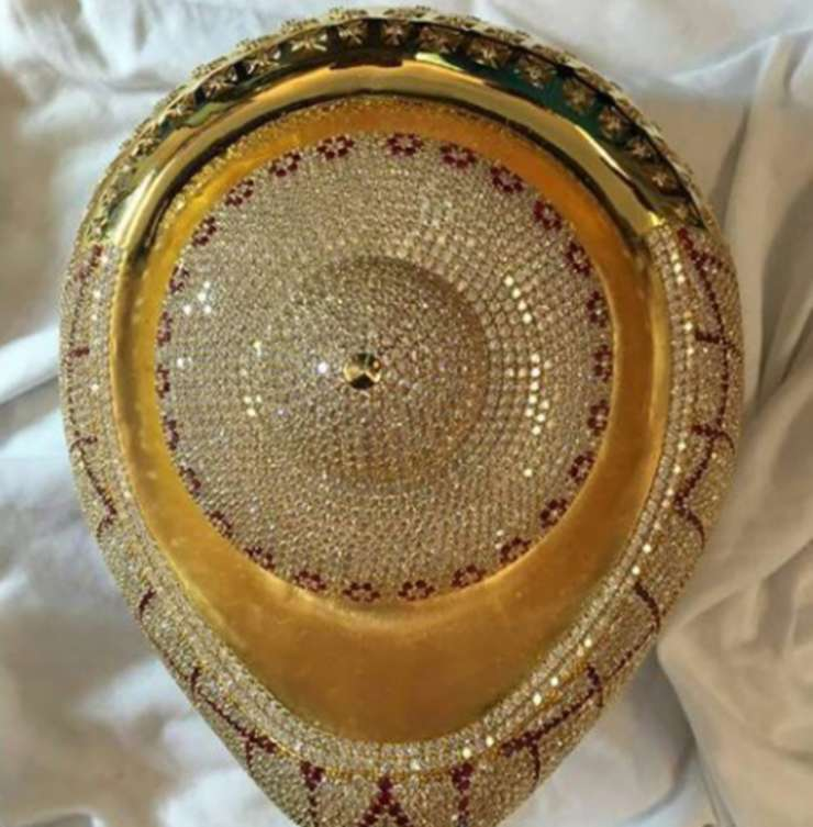 KCR to offer gold jewellery at Andhra temple