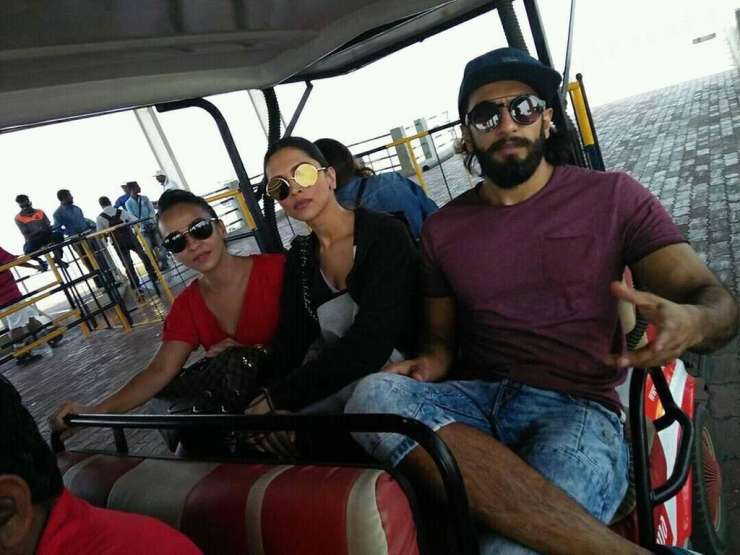 India Tv - Deepika and Ranveer spotted spending time together amid the breakup rumours
