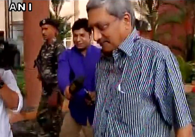 India TV - CM Parrikar reaches Assembly