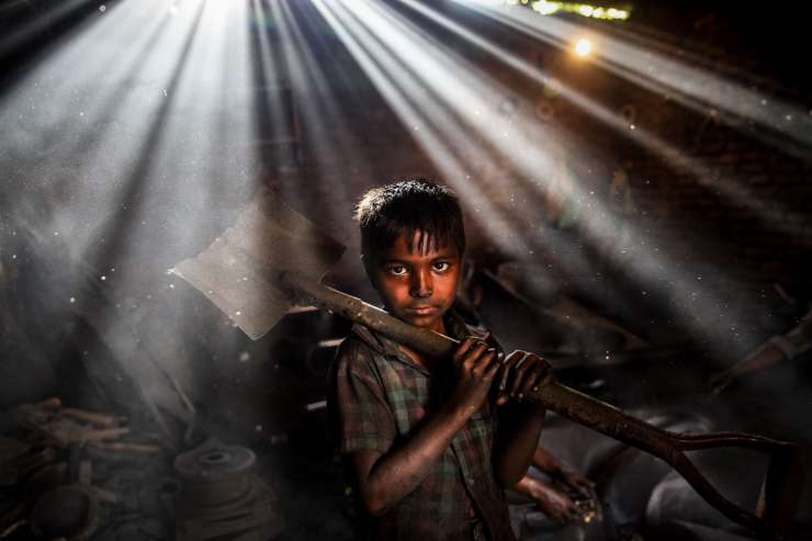 From slum dwellers to sex workers, this artistic photographer narrates the story