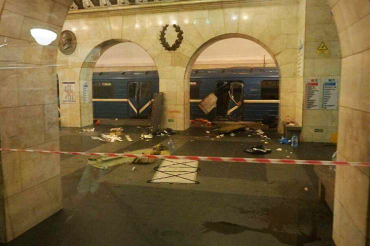 India Tv - Explosion hits St Petersburg metro station in Russia