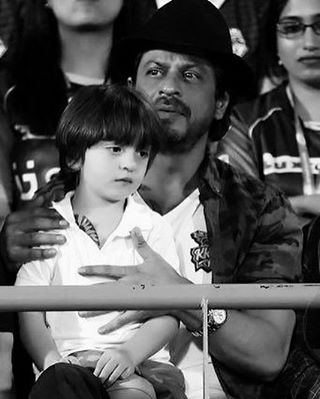 India Tv - srk with abram