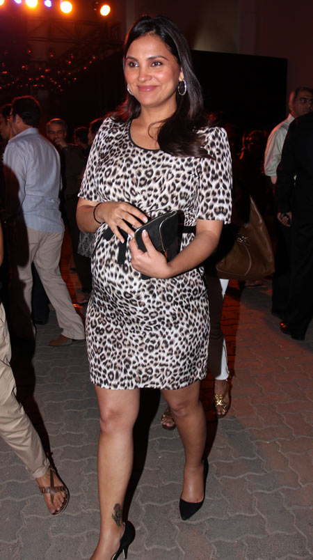 India TV - bollywood actresses pregnancy fashion