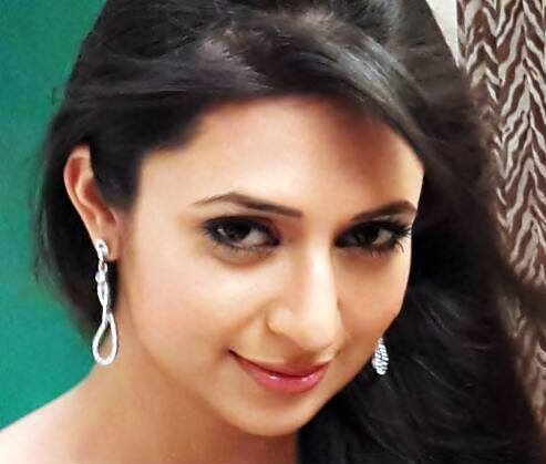 India TV - divyanka tripathi throwback pictures
