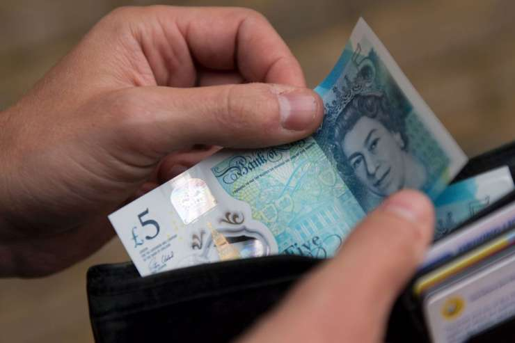Researchers have found bacteria and grave bacteria and viruses on money