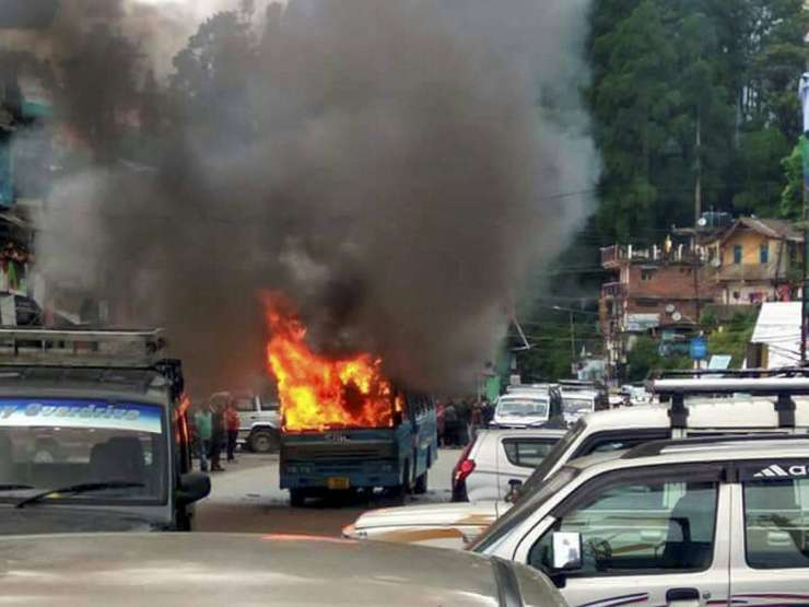 India TV - A state-government torched by GJM supporters in Darjeeling on Thursday