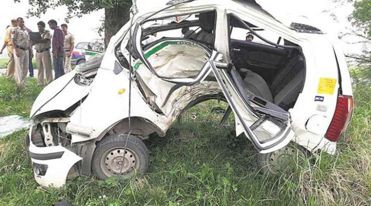Delhi: BSES engineer dies in car crash after being chased by 'power thieves', police denies claim