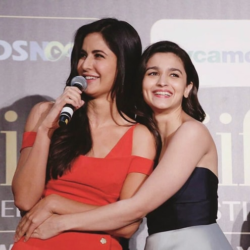 India Tv - Alia Bhatt and Katrina Kaif IIFA Awards 2017