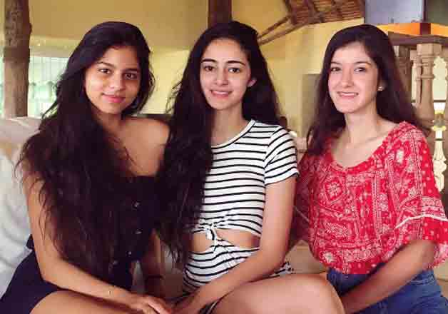 India TV - Ananya Pandey with friends