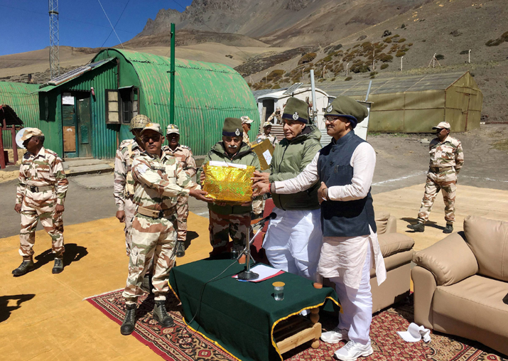 Rajnath Singh interacts with ITBP jawans at the forward outpost at Lapthai