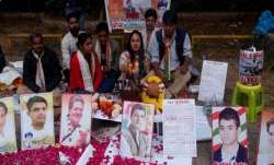 Congress workers perform 'hawan' outside Rahul Gandhi's