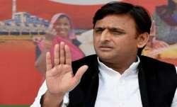 Akhilesh accuses BJP of cheating Vishwakarma community