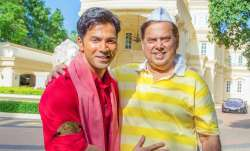 Varun Dhawan takes dad David Dhawan for a short scooter joy