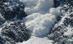 4 jawans of Indian Army missing after avalanche hits