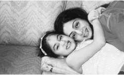 Janhvi Kapoor remembers mother Sridevi on her death anniversary