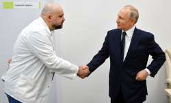 Coronavirus: Moscow doctor who shook Putin's hand tests positive