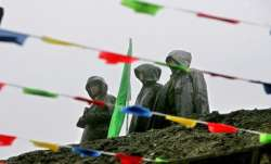 A representational image Chinese soldiers maintaining vigil