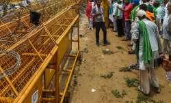 Farmers vacate service road at Delhi's Ghazipur border