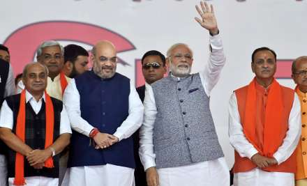 Rupani and his cabinet wore-in in presence of PM Modi and
