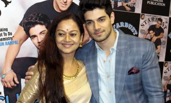 Sooraj Pancholi with mom Zarina Wahab