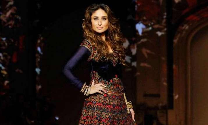 Kareena Kapoor at Lakme Fashion Week 2016