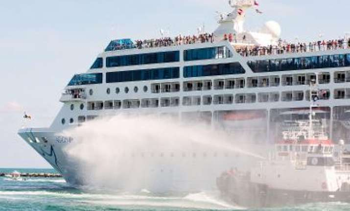 US Cruise Ship Travels To Cuba After Over Years World News - Cruise ships to cuba