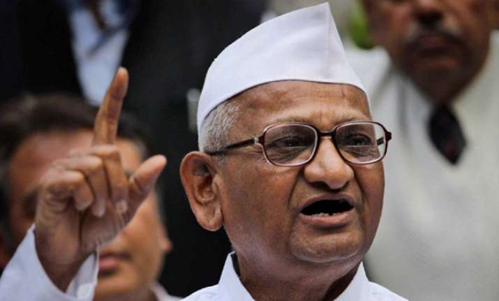 Anna threatens agitation against Kejriwal