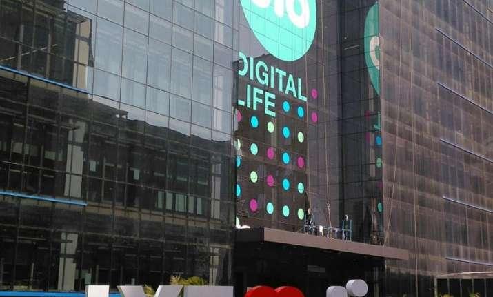 Reliance Jio | India TV
