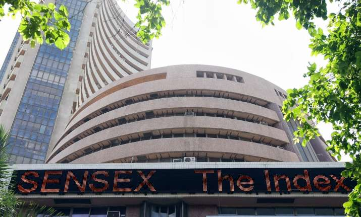 Sensex tanks 546 points amid weak global cues