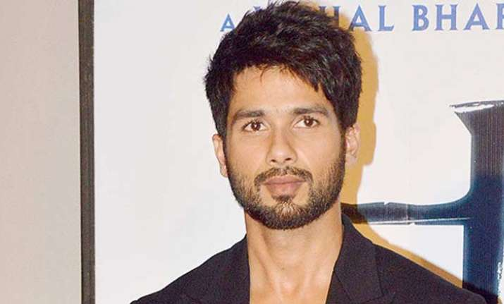 Shahid Kapoor imparts 'gyaan' on how choosing movies is