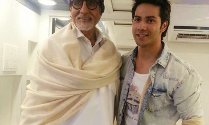 Varun to act with Big B in mix of 'Naya Daur' and