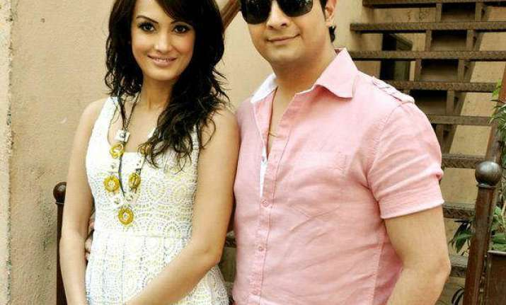 Despite being in Bigg Boss house, Karan Mehra made wife