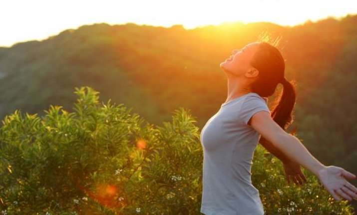 Soaking up in sun helps in reducing stress