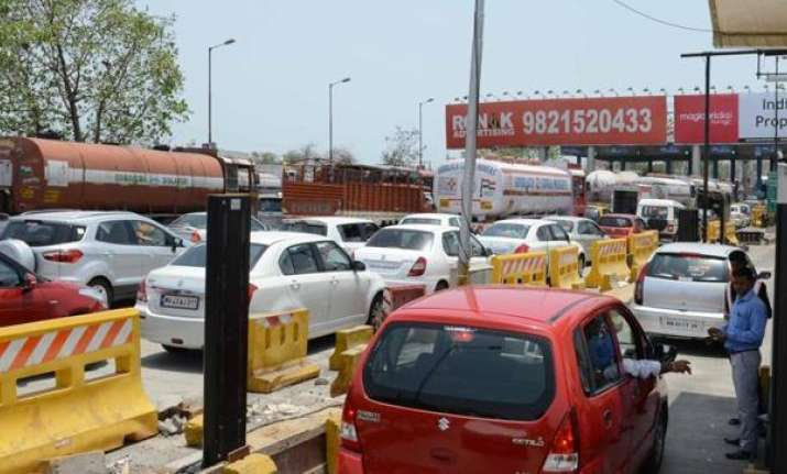 Government extends suspension of toll charges on National