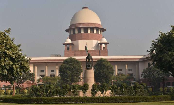 constable shoots self on duty at Supreme court