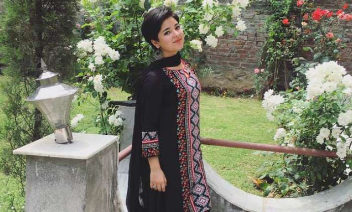 'Dangal' girl Zaira Wasim deletes apology letter; Geeta