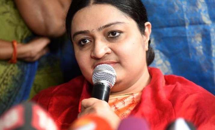 Jayalalithaa's niece J. Deepa set for political debut
