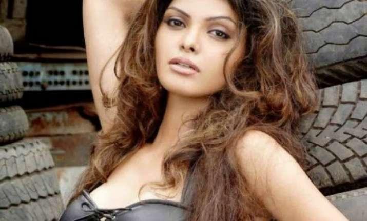 Sherlyn Chopra Tweets Nude Photo Of Self  Masala News  India Tv-5406