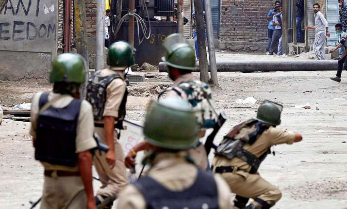 Pellet guns make comeback in Valley to combat stone pelters