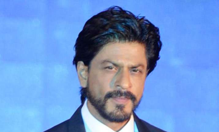 Shah Rukh Khan remembers his growing up days with an