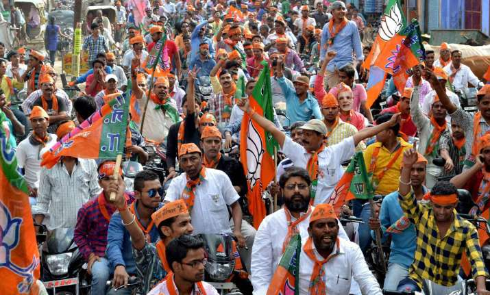 BJP forges ahead in over 300 constituencies
