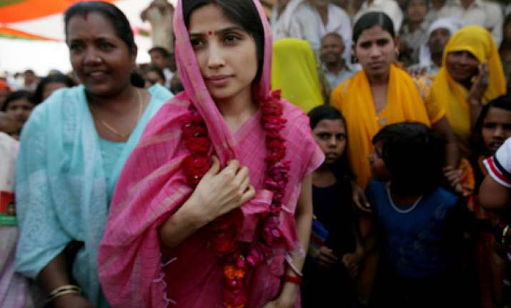 Dimple Yadav campaigning for UP polls