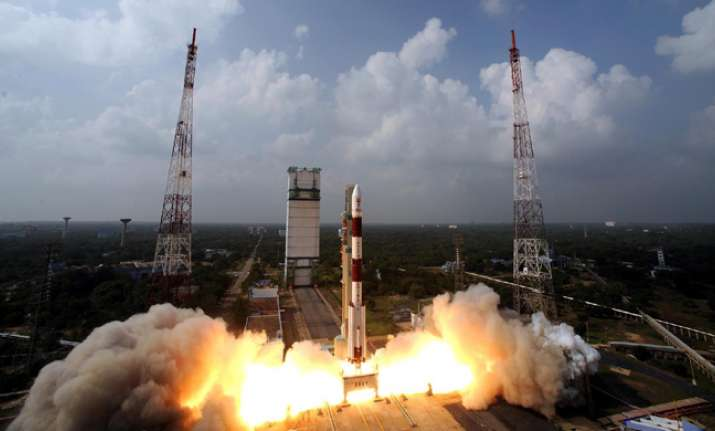 ISRO successfully launched 104 satellites on a single
