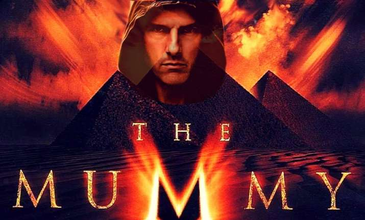 the mummy new trailer tom cruise battles it out with an evil