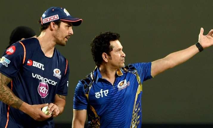 Mumbai Indians mentor Sachin Tendulkar with team player